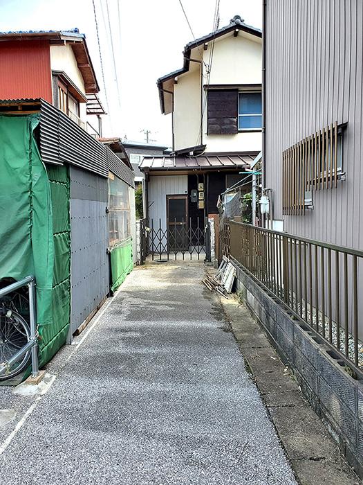 外_道路入り口02