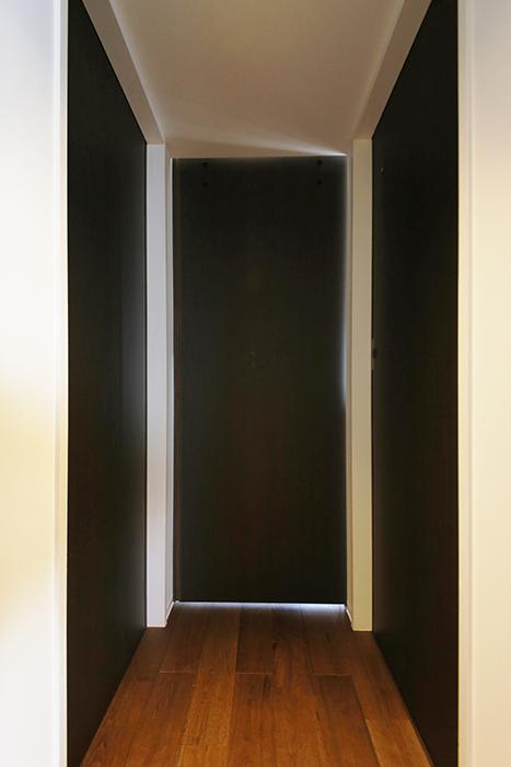 ロイヤルハイツタニ_306号室_廊下とLDKの仕切りドアをクローズ_MG_2274