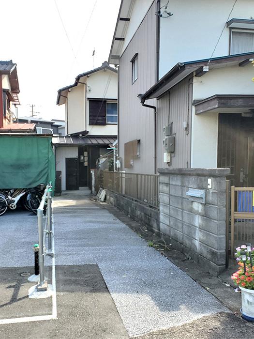 外_道路入り口01