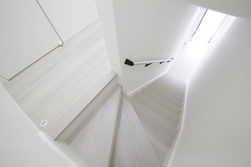 A_13玄関から階段_MG_9607