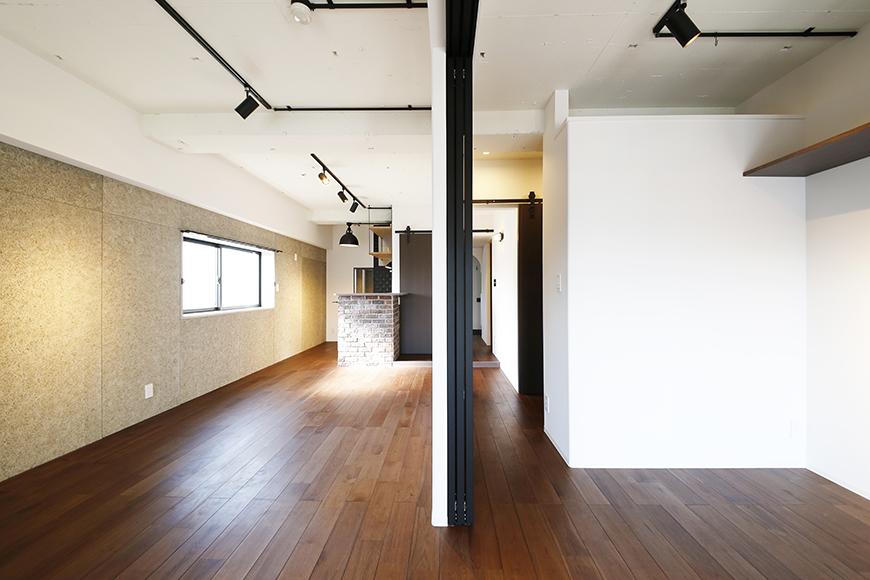 ロイヤルハイツタニ_306号室_LDK_洋室との仕切りドアをオープン_MG_2437