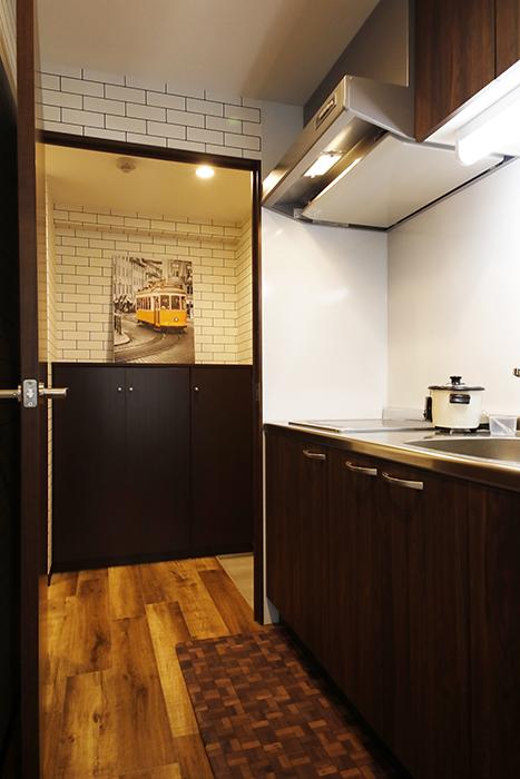 星が丘【02/HM】301号室_キッチン周り_玄関側のドアを開閉_MG_5049