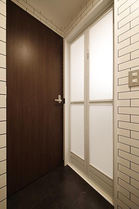 星が丘【02/HM】301号室_サニタリースペース_バスルーム・トイレへのドア_MG_4968