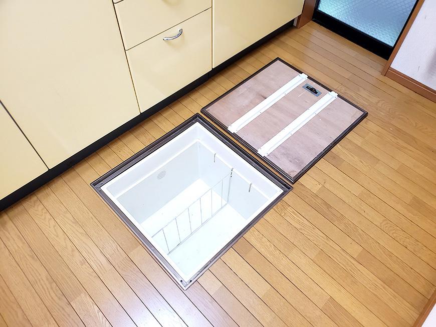 10キッチン床下収納02