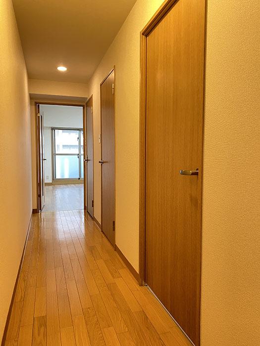 ヒルズ・大曽根 802号室廊下