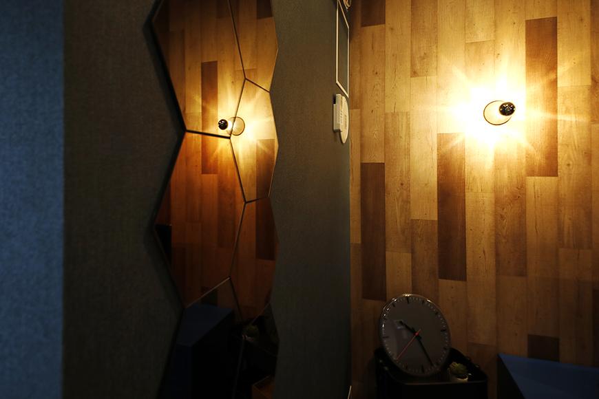 星が丘【02/HM】301号室_洋室_ステキな照明で壁紙も映えます_MG_5198