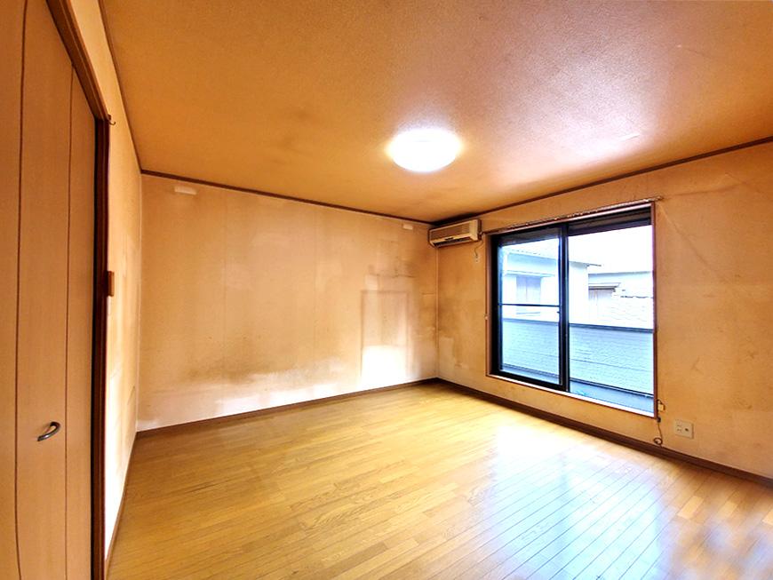 2階洋室8帖_01