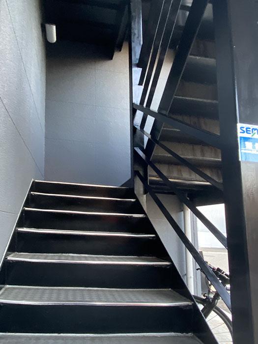 マウン・ラ・フィール 階段