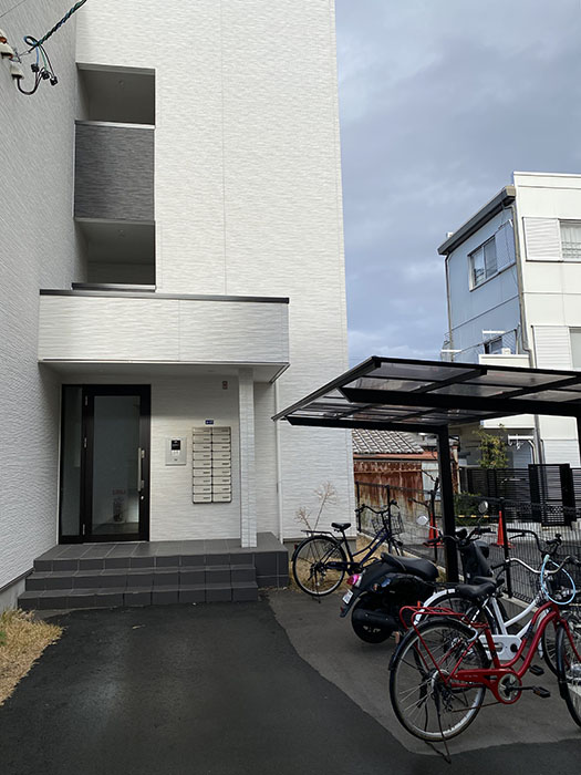 CENT FORCE YOBITSUGI 北棟 入り口