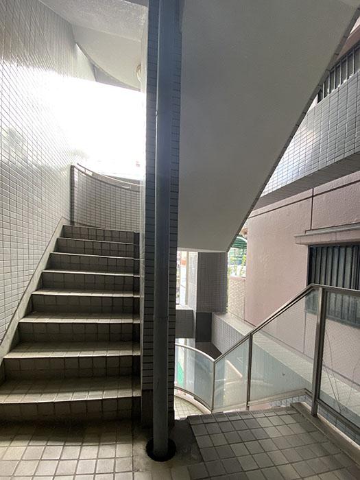 グランツ畑江 階段