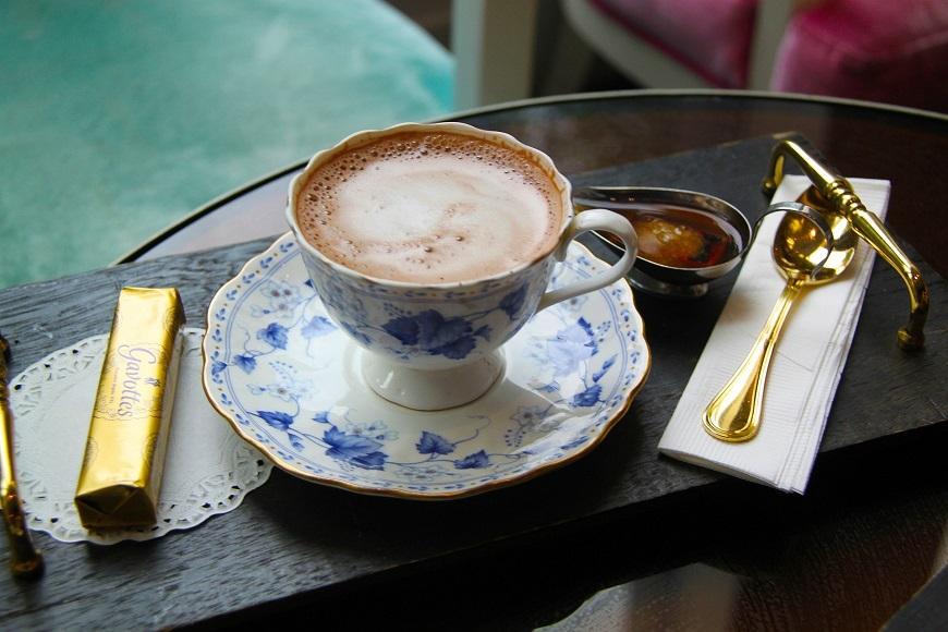 中世貴族のチョコレートは初めは飲み物だった