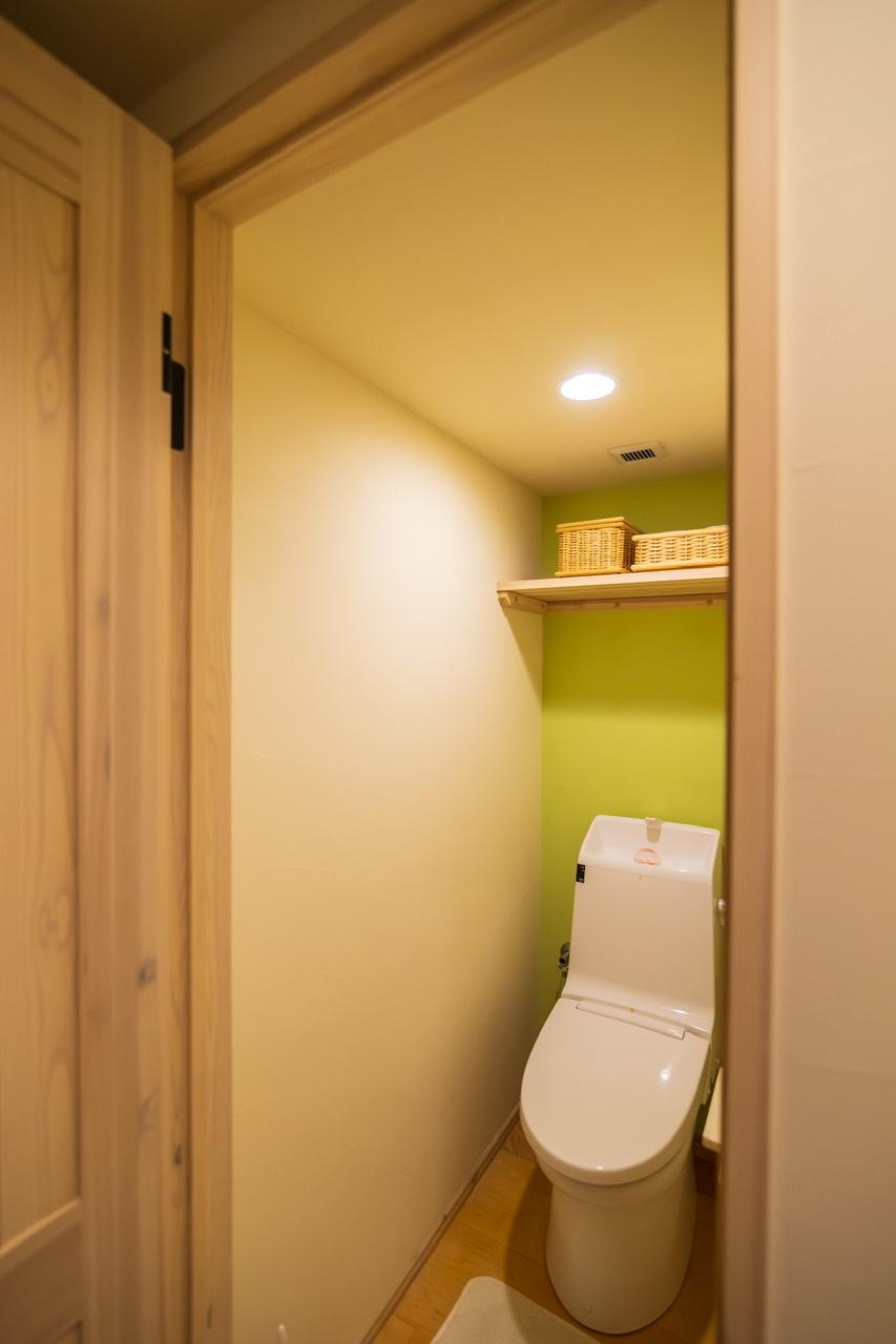 洋室反対側のお手洗い