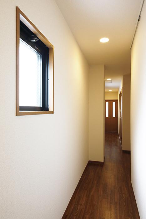 【ジュネス・5・栄】_3A号室_玄関から廊下_MG_1579