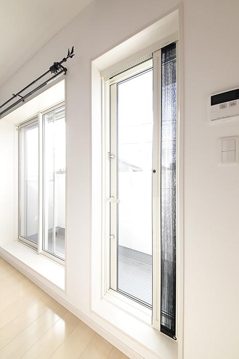 【RadIAnceさくら(レイディエンスさくら)】2階_LDK_ベランダへの窓_MG_0969