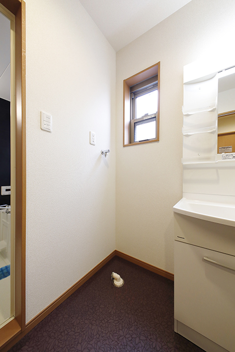【センキ3】_2階_サニタリースペース(水回り)_室内洗濯機置き場_MG_9887