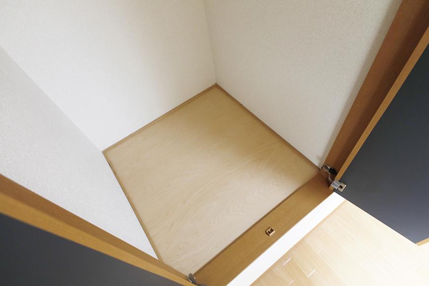 【センキ3】_3階_洋室2(6.02帖)_小型のクローゼット収納_MG_0146