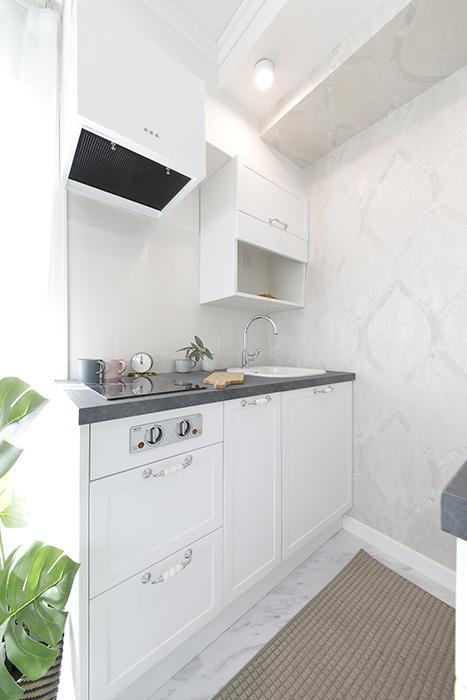 少しコンパクトですが、清潔感のあるとても洒落たキッチンです。_MG_5508