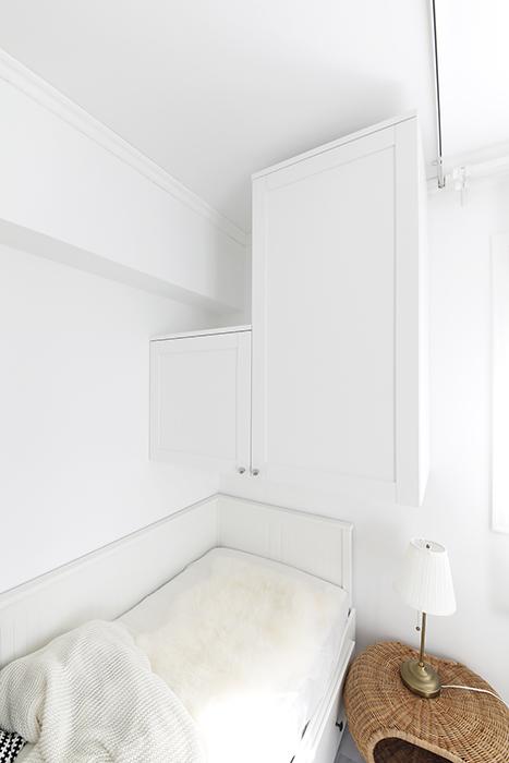 収納といえば、ベッドスペースの壁面にも備え付けの収納ボックスがあります。_MG_5563