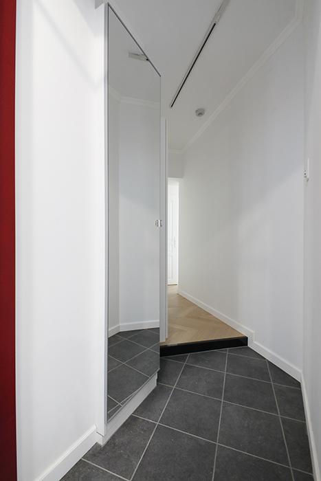 玄関の姿見ミラーはうれしいアイテムですね。_MG_6119
