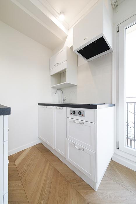 402号室同様、キッチンは、コンパクトなタイプです。_MG_6317