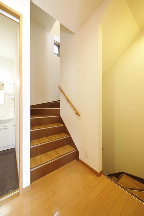 【センキ3】_2階_3階への階段_MG_0073