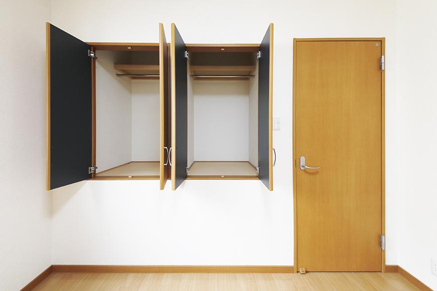【センキ3】_3階_洋室2(6.02帖)_小型のクローゼット収納が二つ並んでいます_MG_0137