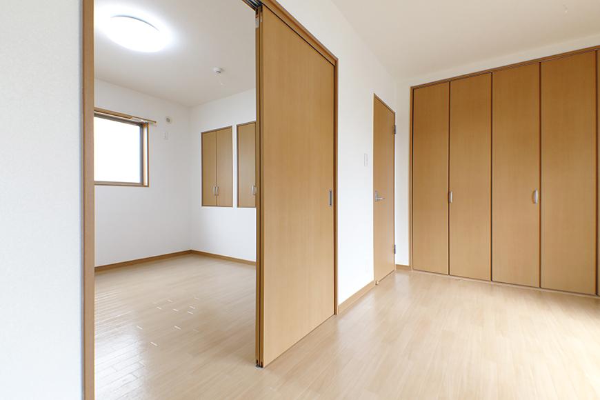 【センキ3】_3階_洋室1(7.42帖)と洋室2(6.02帖)_MG_0243