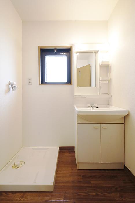 【ジュネス・5・栄】_2C号室_水回り_独立洗面台・室内洗濯機置き場_MG_2304