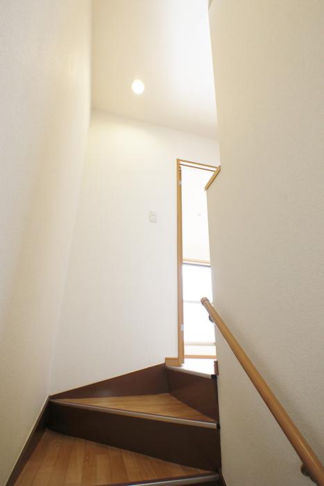 【センキ3】_3階への眺め_階段途中から_MG_0087