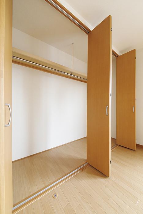 【センキ3】_3階_洋室1(7.42帖)_クローゼット収納_MG_0211