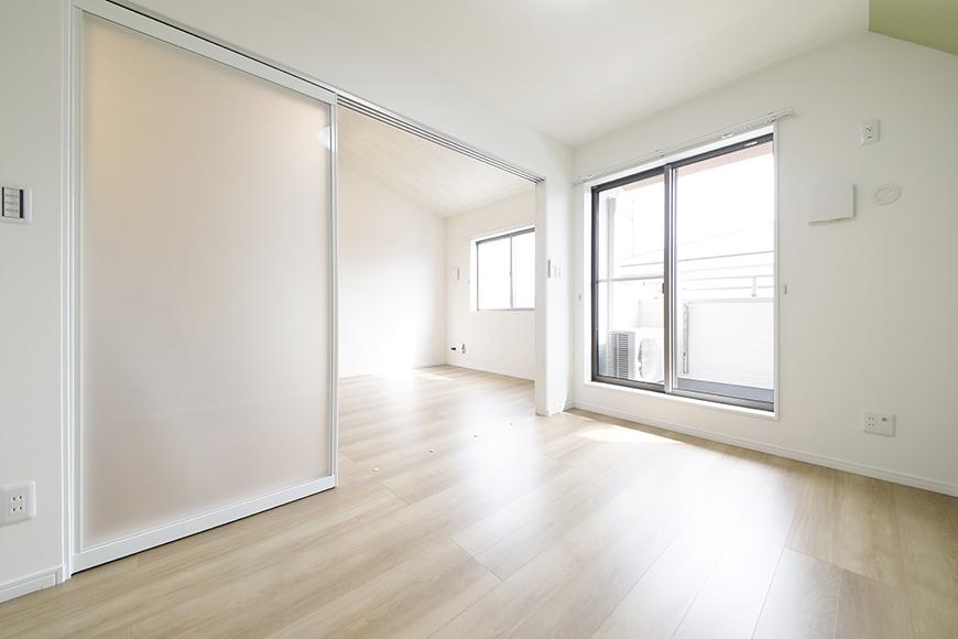 【Mon espace(モンエスパス)】B号室_洋室_全景_MG_9998