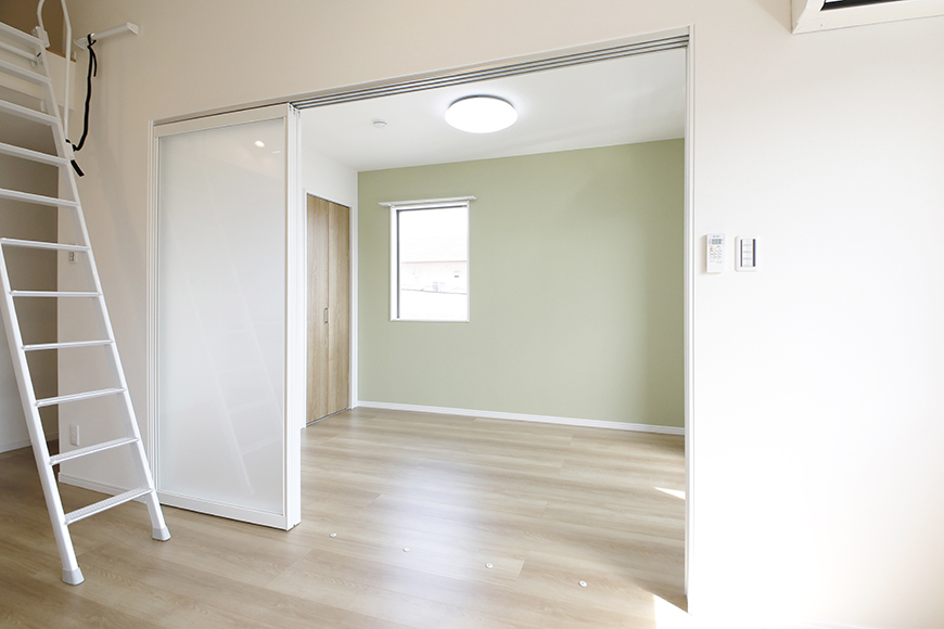 【Mon espace(モンエスパス)】A号室_2階_LDK_洋室との仕切りのドア_MG_9557