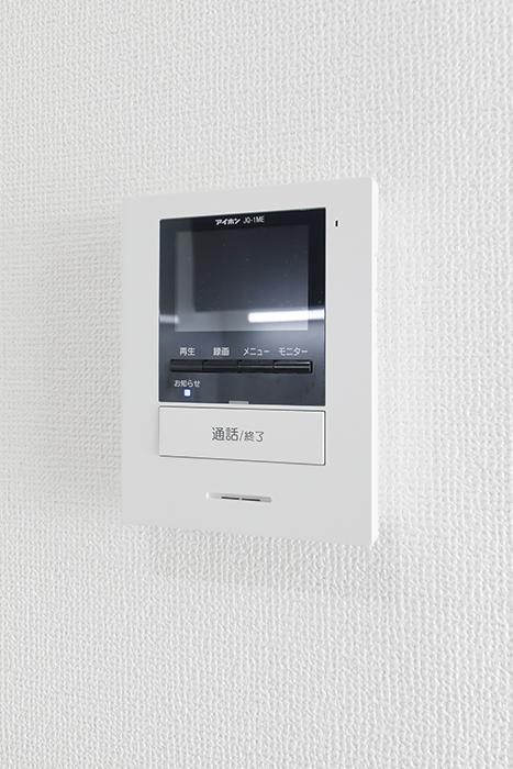 【吉川屋ビル】_5F号室_キッチン周り_TVモニタ付きインターフォン_MG_2801