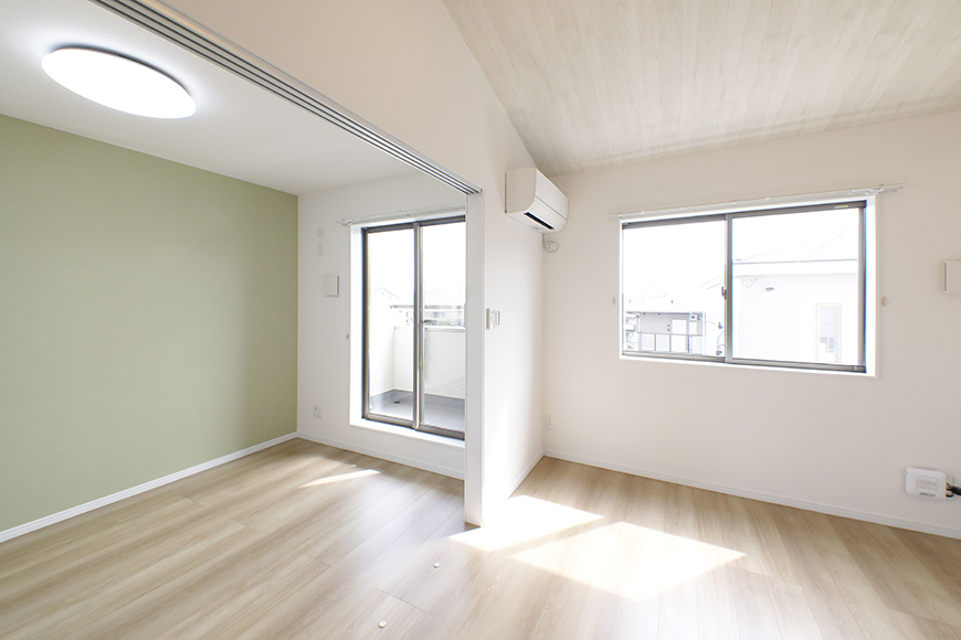 【Mon espace(モンエスパス)】A号室_2階_LDKと洋室の境界_MG_9728