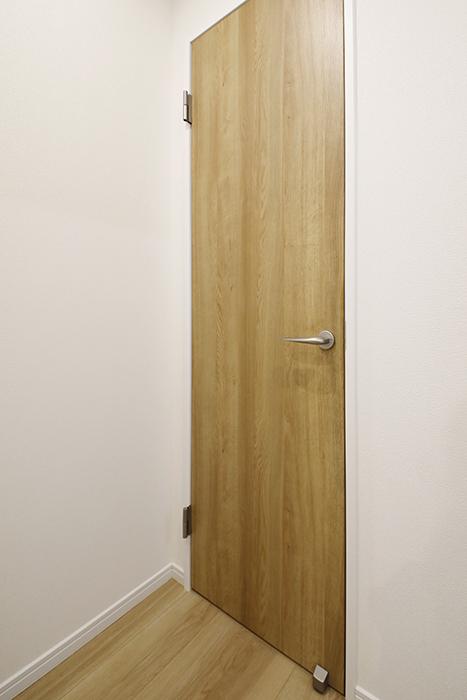 【Mon espace(モンエスパス)】A号室_1階_トイレのドア_MG_9303