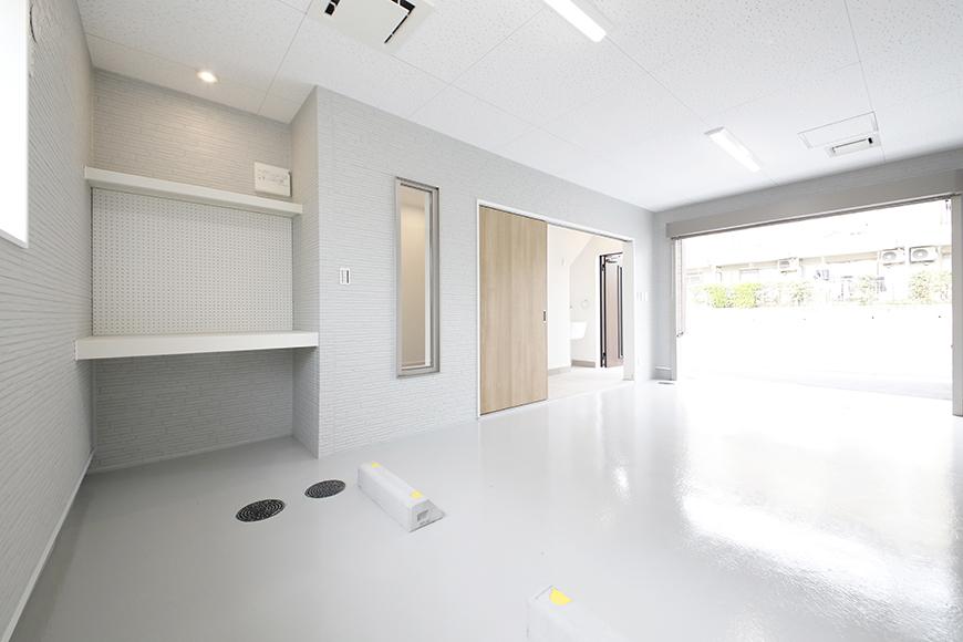 【Mon espace(モンエスパス)】B号室_1階_ガレージ_全景_シャッターOPEN!_MG_9804