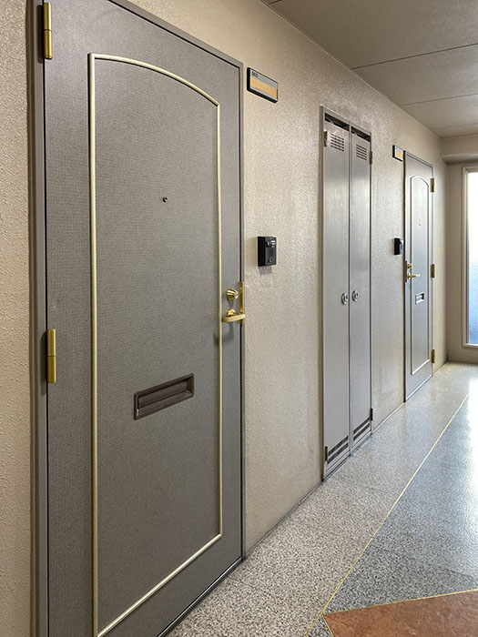 プロビデンス東新町玄関ドア