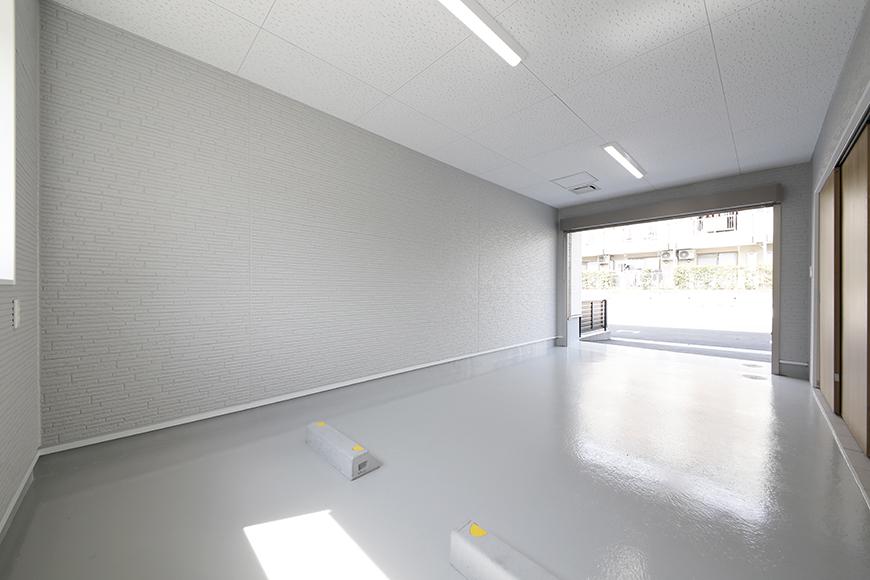 【Mon espace(モンエスパス)】A号室_ガレージ_全景_シャッターOPEN!_MG_9213