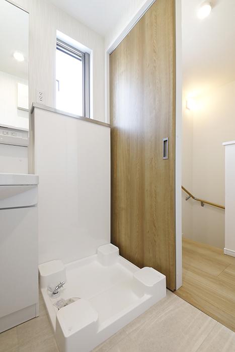【Mon espace(モンエスパス)】A号室_2階_水回り_室内洗濯機置き場_MG_9381