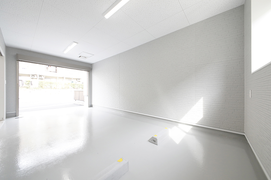 【Mon espace(モンエスパス)】B号室_1階_ガレージ_全景_シャッターOPEN!_MG_9799