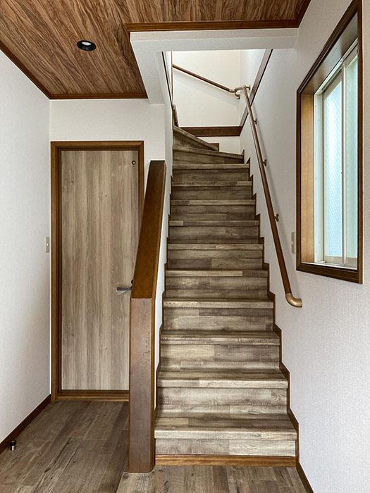 VINTIA[ヴィンティア]安井 階段