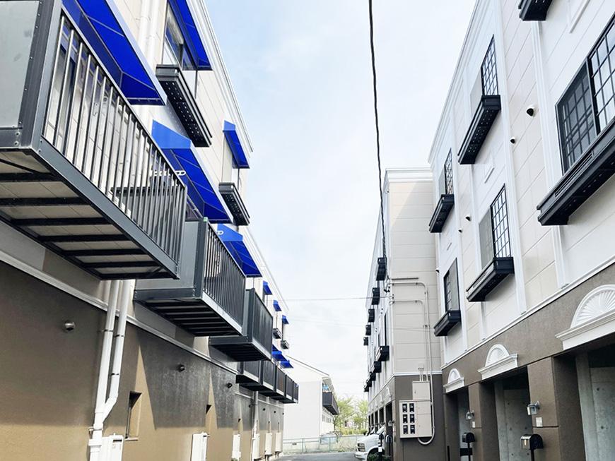 シャーウッド87_青い屋根のバルコニー
