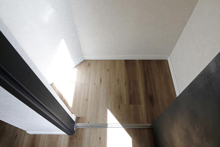 【SOLE(ソーレ)】202号室_洋室(5.13帖)_クローゼット収納_MG_1309
