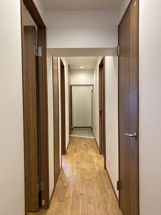 エクセレンス新栄 701号室廊下