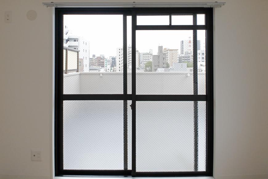 【泉ロイヤルビル】6B号室_洋室(5帖)_開口部_MG_4009