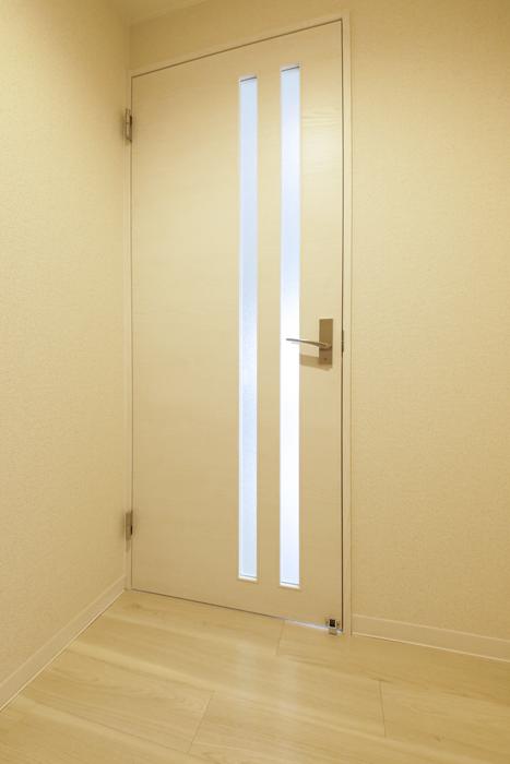 【泉ロイヤルビル】5C号室_玄関周り_LDKへのドア_MG_4453