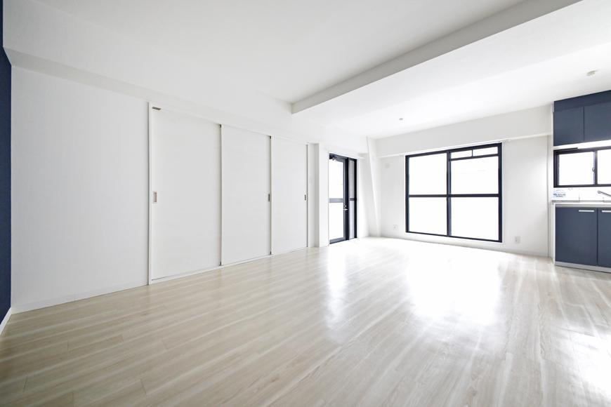 【泉ロイヤルビル】5C号室_LDK_仕切りのドアをCLOSE_MG_4719