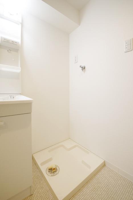 【泉ロイヤルビル】6B号室_水回り_室内洗濯機置き場_MG_4231