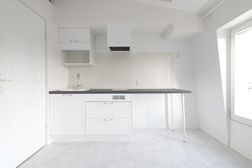 キッチンには大きなカウンターがついています。お料理するのに便利そうです。_MG_6757