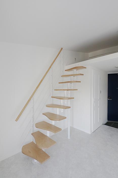 """""""屋根裏部屋(ロフト)""""に上がる階段をクローズアップしてみました。_MG_6892"""